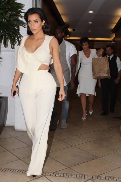 ¿Será que Kanye eligió los atuendos de su mujer y suegra?