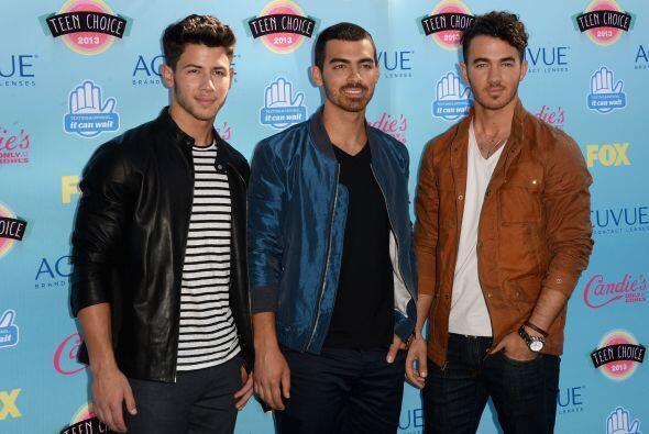 Y continuamos con los jóvenes cantantes. Kevin, Joe y Nick Jonas...