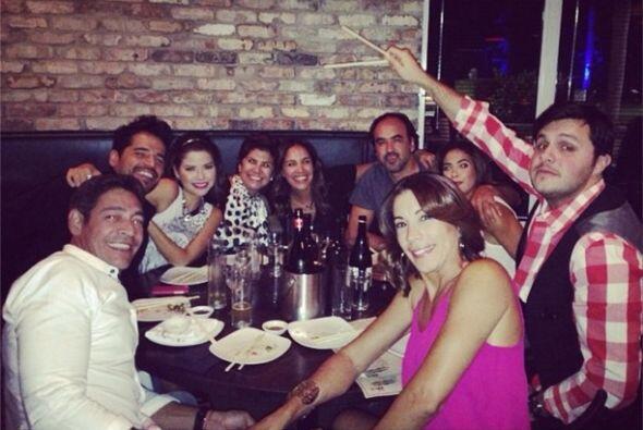 """""""Festejando a nuestra muñequita @anapatriciatv @johnnylozada @polestanli..."""