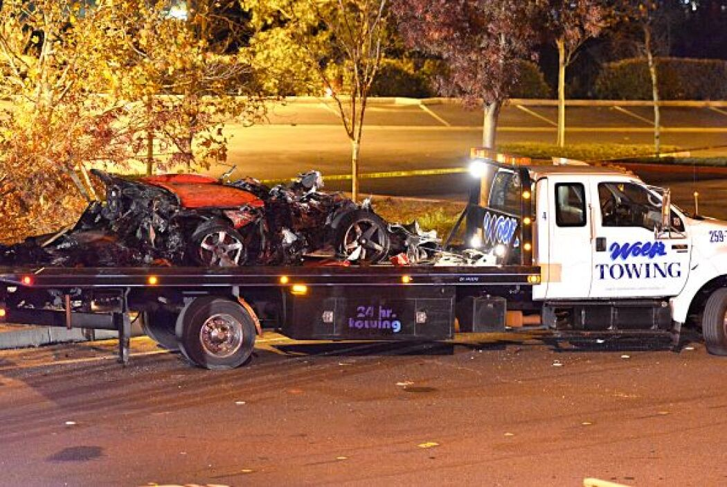 El auto fue remolcado del lugar del accidnete. Más videos de Chismes aquí.