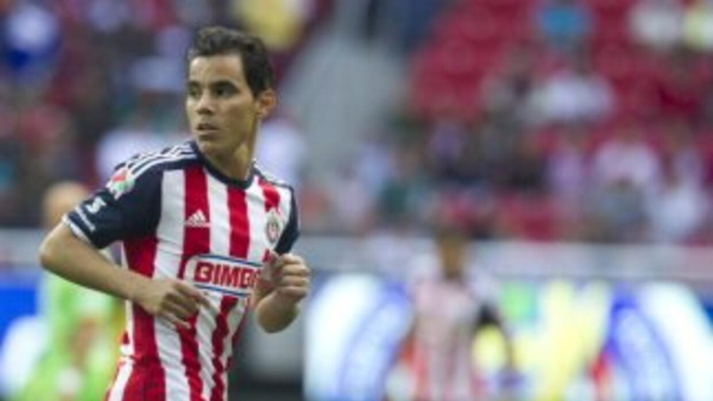 Las Chivas enfrentarán al América sin el veterano Omar Bravo.
