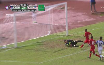 Arichel Hernández pescó un balón, pero de nuevo Horvath atajó de gran ma...
