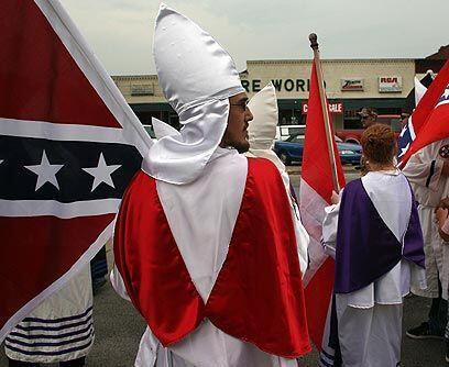 KKKEl más conocido grupo supremacista es el Ku Klux Klan, creado en 1865...
