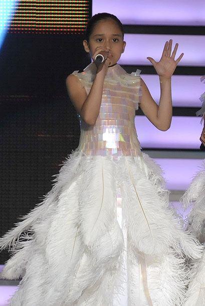 Por ejemplo, este impresionante vestido que usó Kenia y que adem&...
