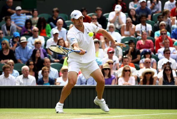 Andy Roddick fue eliminado 7-6 (2), 7-6 (2), 6-4 en la tercera ronda de...