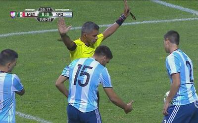 ¿Qué marcó el árbitro en el gol anulado de México sobre Argentina?