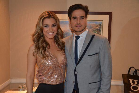 Junto a Daniel Arenas, disfrutando de una linda charla antes del show.