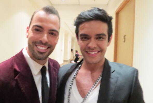 Espiridión con Arias Martín backstage en la primera gala.