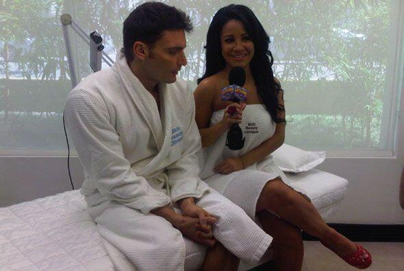 La presentadora se quitó la ropa junto con Julián solo par...