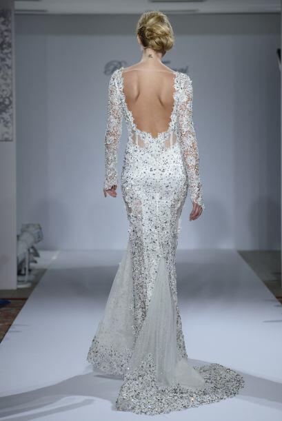 Aunque en ocasiones, los vestidos con aplicaciones de brillantes podr&ia...