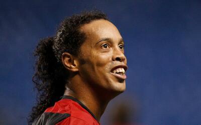 Ronaldinho sonríe