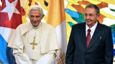 """Raúl Castro felicitó a la población por su """"participación, apoyo y respe..."""