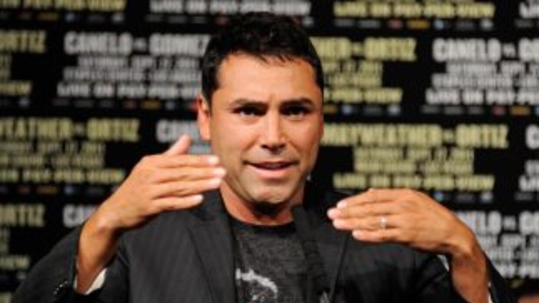 Oscar De la Hoya vuelve a enfrentar acusaciones de acoso sexual.