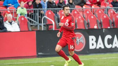 Hérculez Gómez jugando con Toronto FC