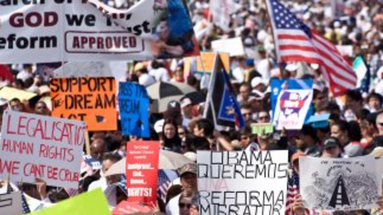 Al menos 11 millones de inmigrantes indocumentados esperan una reforma m...