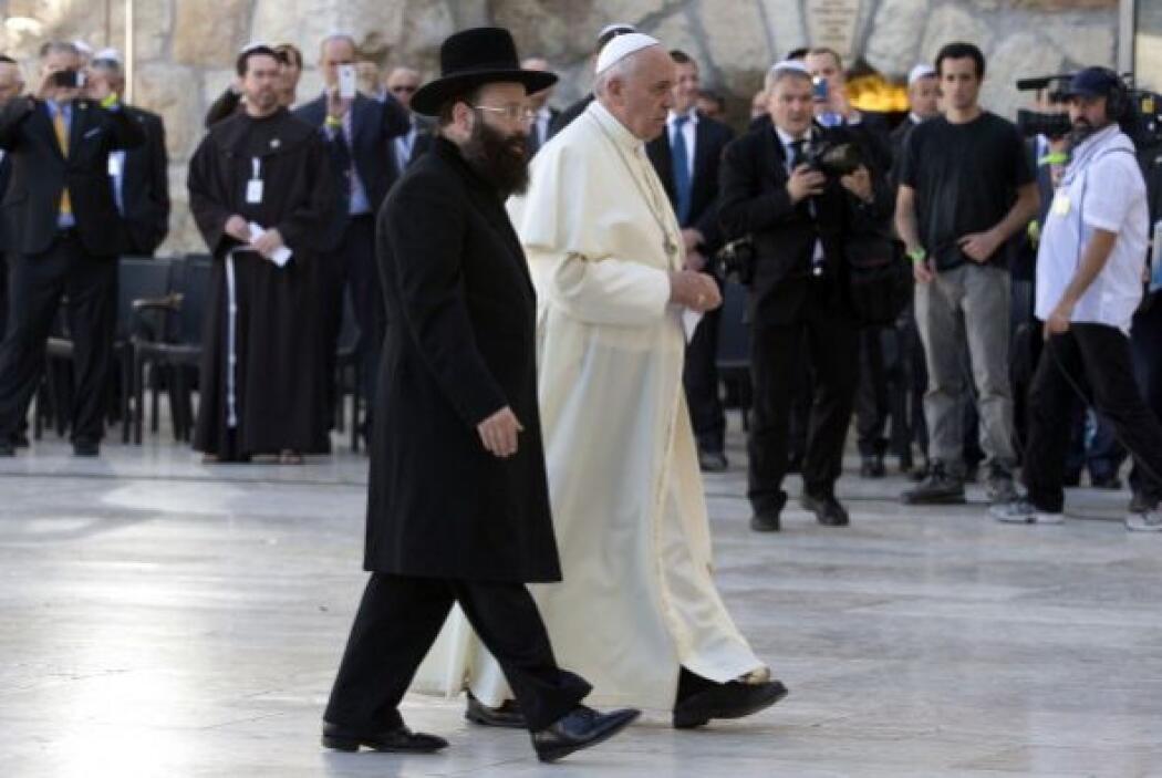 Se trasladó en coche hacia el sitio más sagrado para los judíos.