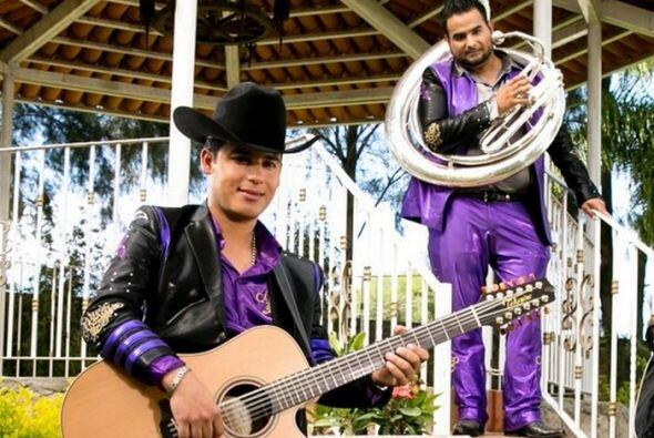 El cantante resultó nominado a Mi Artista Regional Mexicano y Voz del Mo...