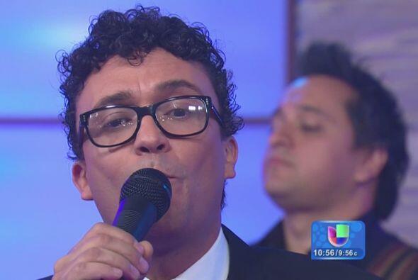 El cantante colombiano Andrés Cepeda presentó su má...