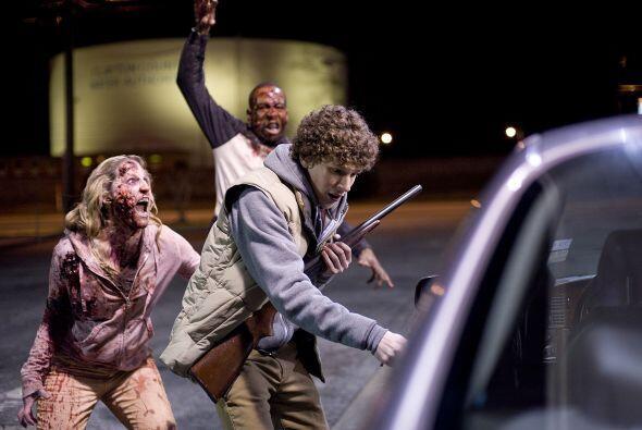 Y, si tuvieras atrás de ti a dos zombies aterradores ¿podr...