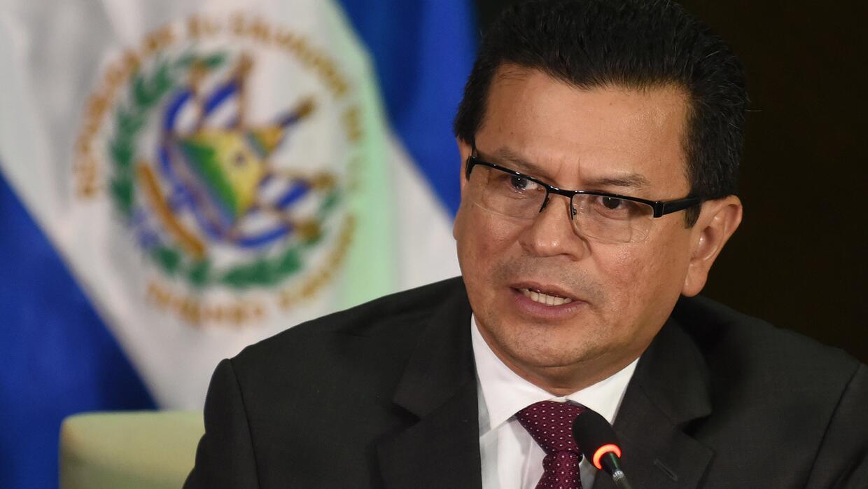 """Canciller de El Salvador: """"Vamos a proteger los derechos de nuestros com..."""