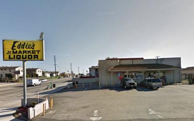 El tiroteo ocurrió afuera de la tienda de licores Eddie's en Sur...