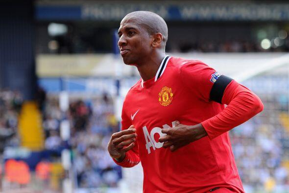 Y cuando ya se acercaba el final del partido, al minuto 81, Ashley Young...