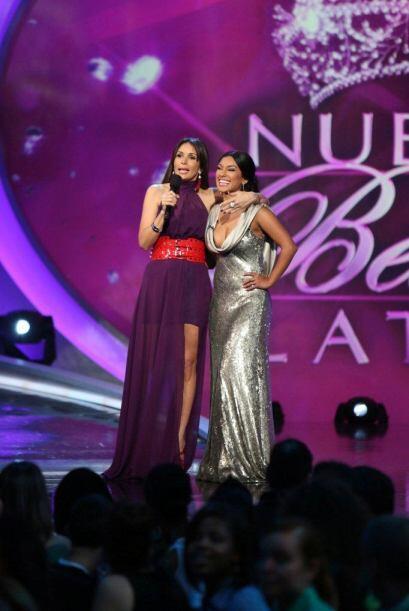 Giselle felicitó a Zuleyka por el reportaje que hizo de la premie...