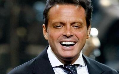 Aracely Arámbula le exige a Luis Miguel más dinero por sus dos hijos