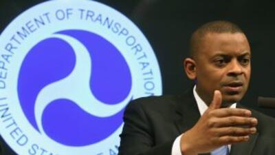 Anthony Foxx, secretario del Transporte, anunciando la sanción para GM.