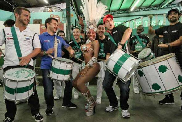 La fiesta previa a la carrera fue al más puro estilo brasileño.
