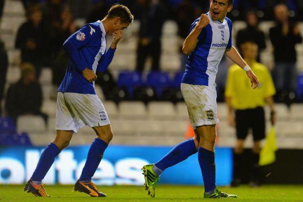 Otro partido aún más cardiaco fue el que vivieron Birmingham City y Stok...