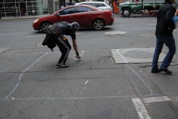 La de color blanco la utiliza para pintar los pasos peatonales que no ex...