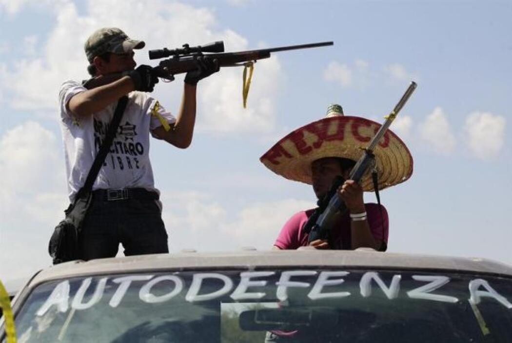 Autodefensas se enfrentan a grupos armados en el municipio de Antunez (M...
