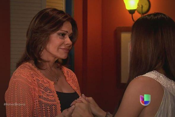 Natalia le dice a su madre que está muy agradecida por todo lo qu...