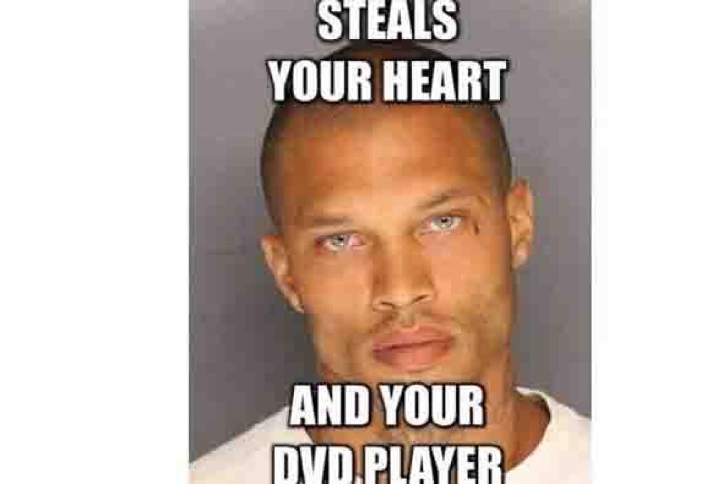 """Te robo tu corazón y tu dvd"", dice esta foto de  Jeremy transformada po..."