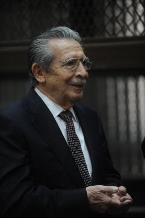 Gálvez dijo que desde hoy comenzará a analizar la acusación del fiscal y...