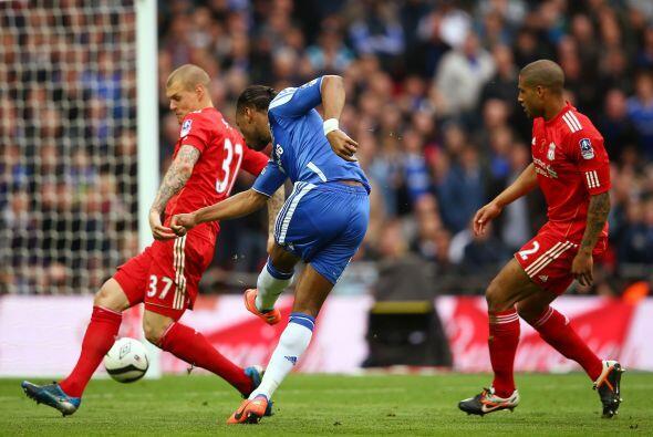 En la segunda mitad, Chelsea volvió a aprovechar con un buen rema...