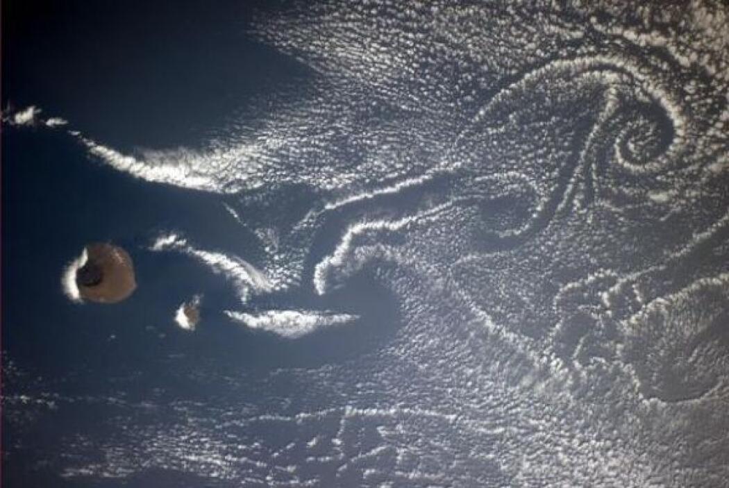 Los volcanes crean vistas artísticas. Fotos: @astro_reid