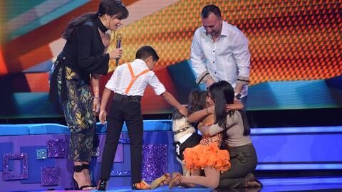 Ashley se fue en llanto al recibir la sorpresa de su hermana y su mascota