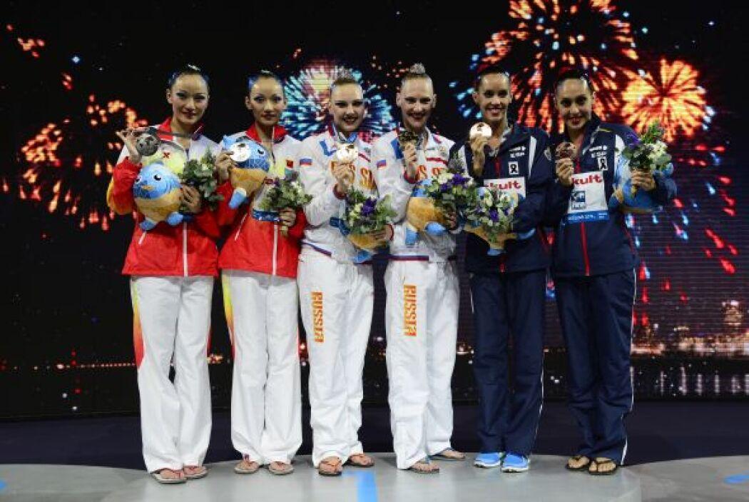 Las ganadoras en el podio.