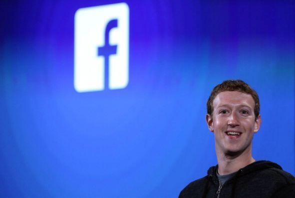 A sus 28 años, Marck Zuckerberg, el fundador de Facebook, de anun...
