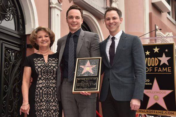También lo acompañaron su mamá y su pareja, Todd Spiewak.