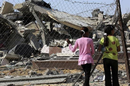 La reacción internacional ha sido condenar los ataques de ambas partes.