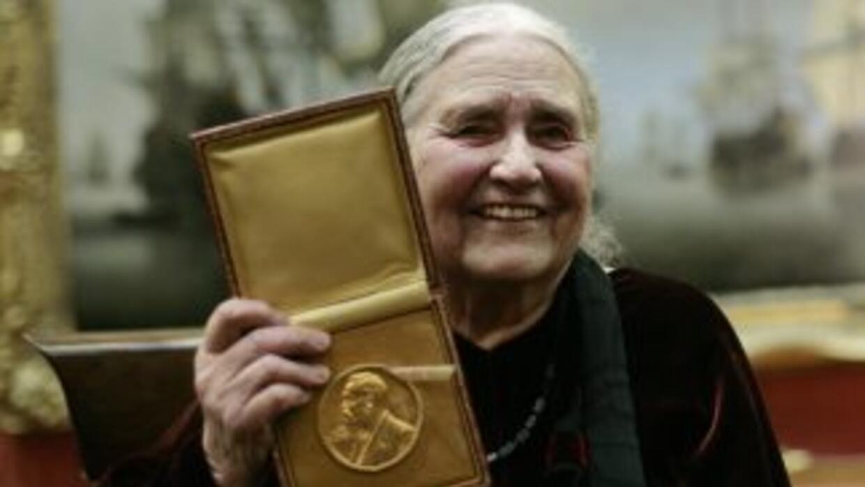 La escritora británica Doris Lessing, que ganó el premio Nobel de Litera...