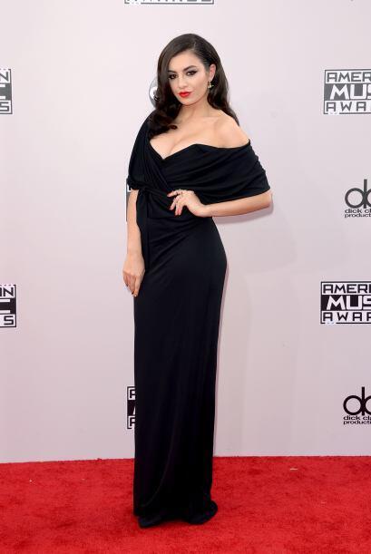 Si el vestido fuera rojo, habríamos jurado que Charli XCX hubiera querid...