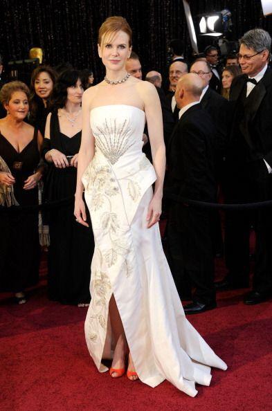 Nicole Kidman también lució pésima con este vestido blanco de Dior que t...
