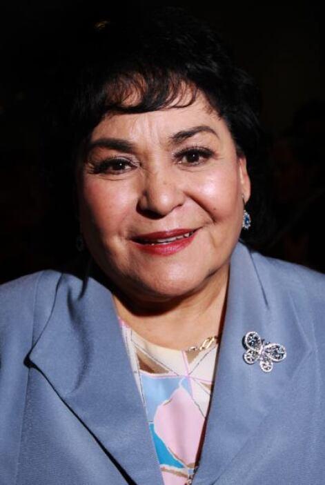 Cada que tiene oportunidad, Carmelita Salinas acude a cantar las Mañanit...