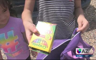 Familias de bajos recursos reciben ayuda para el regreso a clases