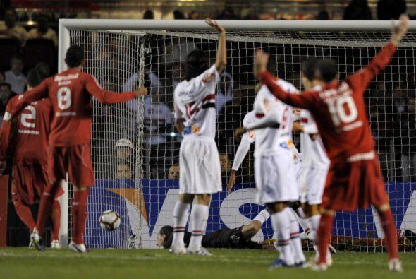 El segundo tiempo fue vibrante y el estadio Morumbí estuvo colmado con m...