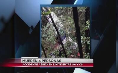 Mueren cuatro personas en accidente aéreo